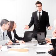 Cómo presentarse en inglés en una reunión