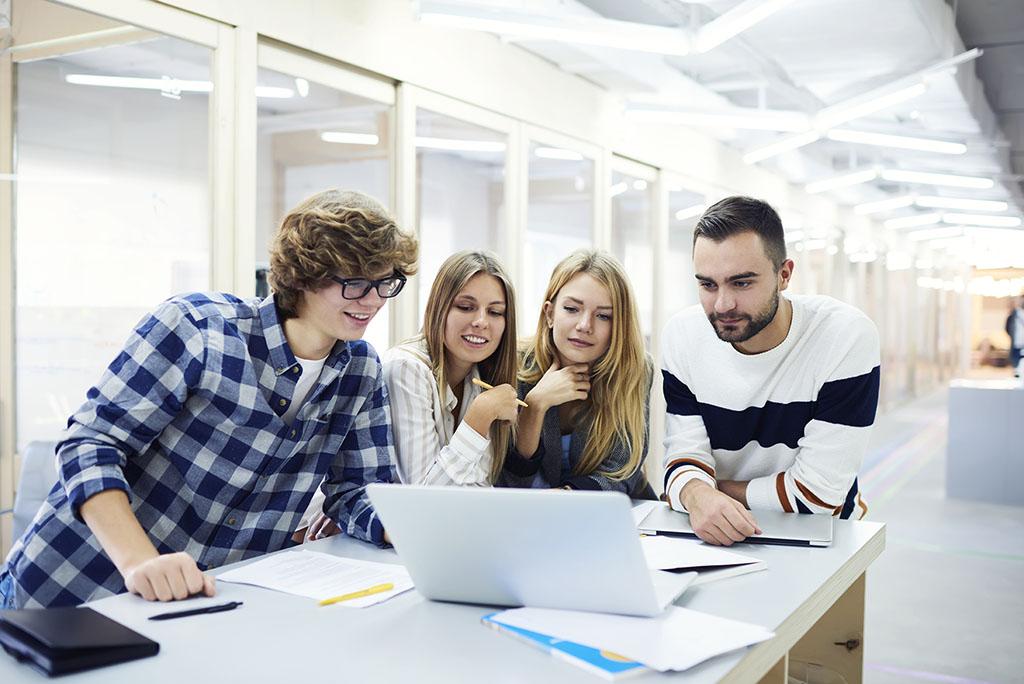 Máster oficial de marketing digital en A Coruña, ¿universitario o privado?